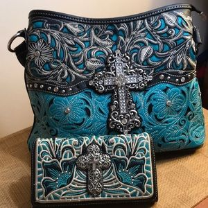 Montana West Purse and Matching Wallet EUC.